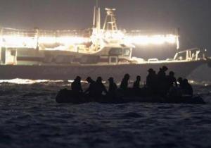 Các thợ lặn Hàn Quốc đang nỗ lực làm việc ngày đêm để tìm kiếm thi thể các nạn nhân vụ chìm tàu Sewol. Ảnh: Internet