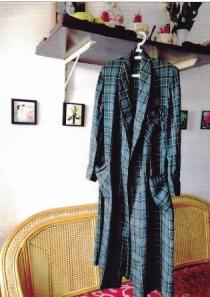 Chiếc áo choàng Nhất Linh
